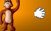 Neste jogo tens de bater no macaco com a maior velocidade possível. Depois vê a velocidade com que o atingiste.(em milhas, isto é 1,6km)