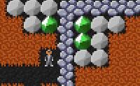 Outro divertido jogo retro! Neste jogo fazes-te ao caminho pela Terra, em busca de diamantes verdes. Logo que leves ou movas algo, tudo se moverá para baixo. Assim, tem cuidado para não seres enterrado por baixo das pedras!
