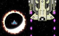 Espada Estrela, um original jogo de tiro espacial! Na maioria dos jogos usas as tuas próprias munições para vencer o inimigo. O jogo da Espada Estrela é um pouco diferente: com o teu escudo, absorves as munições que o inimigo, uma nave enorme, está a disparar. Quando absorveres as munições, podes atirar no inimigo. Em princípio, o navio só pode ter um tipo de munições de cada vez. Também podes desviar rondas de inimigos, e embora isso faça o teu escudo perder energia, a energia vai gradualmente voltar. Quanto mais avançares, mais rápido terás que reagir, então concentra-te e tenta manter-te contra a nave espacial enorme pelo maior tempo possível!