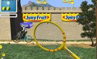 Com que frequência consegue jogar a bola contra o muro?