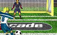 Este é um jogo de futebol divertido em que vais marcar penáltis. Clica no jogador para receber a bola e depois no jogador quando tiver a bola. Clica então para marcar avançando com o rato na direcção da baliza e mantém o botão esquerdo do rato carregado.