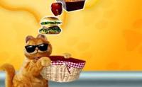 Coloca uma grande quantidade de comida na cesta do Garfield. Não coloques comida saudável, porque o Garfield não gosta!