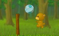 Tentas marcar o máximo de pontos possível ao teu oponente. Podes marcar pontos fazendo a bola bater no campo do teu adversário