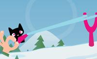 Clica no gato e estica o elástico da tua catapulta. Liberta o botão do rato quando o gato tiver a direcção correcta e altura, e lança-o na paisagem de neve branca. As estrelas cor-de-rosa geram pontos, mas deves evitar os obstáculos clicando neles.