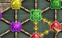 Roda o grupo de três figuras clicando nelas com o rato. Se as figura num grupo forem idênticas, elas desaparecem e o triângulo onde estão situadas transforma-se em ouro. Cuidado com o temporizador pois o teu tempo é limitado!