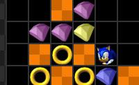 Empilha blocos e limpa-os com um correspondente ou com um bloco com poderes. Ganha pontos de bónus ao limpar combinados ou limpando múltiplos blocos. Há três tipos diferentes de blocos: laranja/castanho+Knuckles, anel dourado+ Sonic e esmeraldas (qualquer cor)+ coroas. Quantos mais pontos ganhas mais rápido caem os blocos. Podes jogar este jogo em modo temporizado (com pontuações) ou em jogo livre (tempo de jogo sem restrições).