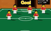 Joga um jogo de futebol numa mesa de futebol. Cada vez que a bola passe, tens a hipótese de a empurrar para dentro da baliza. Tens um minuto para marcar tantos golos quantos consigas. Diverte-te!