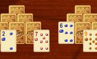 Was kommt heraus, wenn man Jewel Quest und Patience vereint' Jewel Quest Solitaire. Das ist zugleich ein Kartenspiel und eine Miniversion von Jewel Quest.